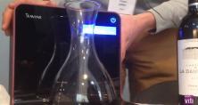iSommelier est une carafe à vin agile et connectée. Elle permet de carafer les vins dans un délai très très court.