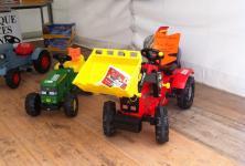 Les produits dérivés des constructeurs agricoles: un cadeau de Noel pour vos enfants? (S.Favre/Pixel/Image)
