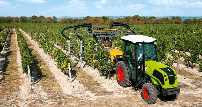 La contrainte de largeur maxi des tracteurs vignerons est beaucoup plus forte que celle des tracteurs standards.