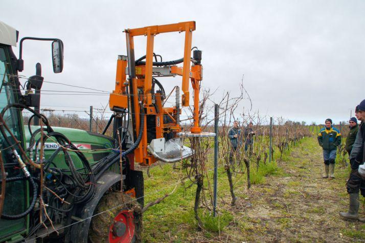 La machine à tirer les bois VSE 430 (Provitis) en action. © M. Sabouret/CDA 16