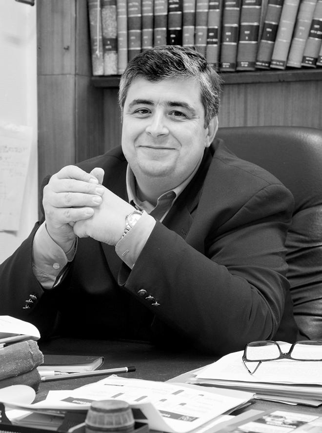 Nicolas Vivas, directeur du centre de recherche Demptos à l'ISM, université Bordeaux 1: «Pour obtenir un boisé raisonnable, le premier élément à considérer est le couplage de l'élevage sur bois avec celui sur lies.» Photo : Ana Bloom