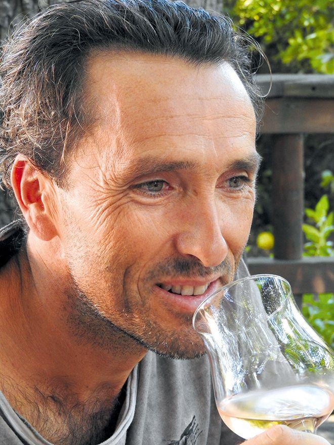 Pour Stéphane Yerle, conseiller en œnologie, le point essentiel en boisage est de partir du profil aromatique du vin, en distinguant les profils méditerranéens et atlantiques. Photo : S.Yerle