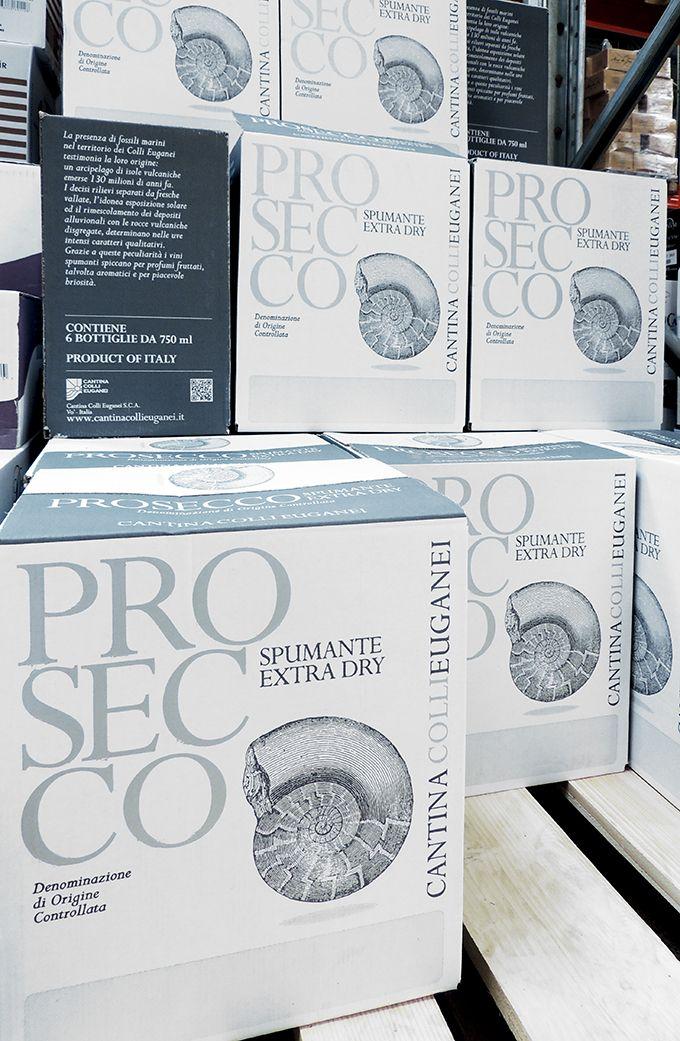 Vins de prosecco italiens stockés et vendus par Vinatis. Photo : Audrey Domenach, Pixel Image