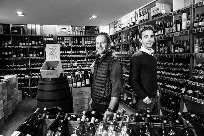 Les deux associés ont développé un service de restauration et d'accompagnement à la dégustation dans leur cave à vin. Photo : DR