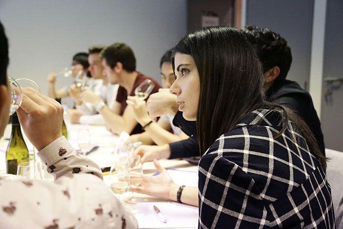 École privée uniquement consacrée au vin, sans en aborder les aspects techniques de la production, l'ISV propose une formule originale en deux étapes. Photo : Alice Catt