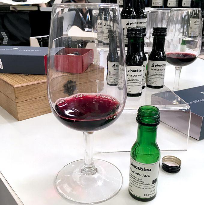 Vinovae propose des échantillons «légers et écologiques» sous forme de Vinottes. Photo : S.Favre/Pixel Image
