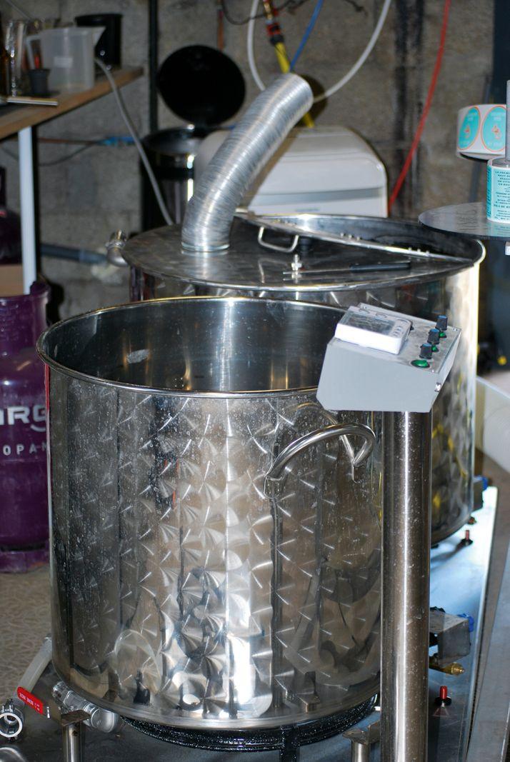 95% de la fermentation se font en 5 à 6 jours, puis elle ralentit. Il faut maîtriser la température à 20°C pendant toute la durée de la fermentation, comme un vin blanc en fût.