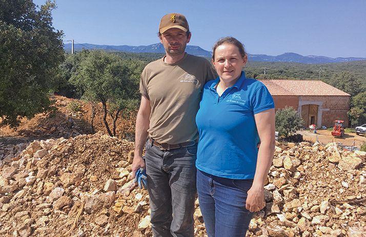 Sophie et Vincent Guizard ont créé le domaine Saint-Sylvestre il y a 8 ans. © S.Favre/Pixel Image