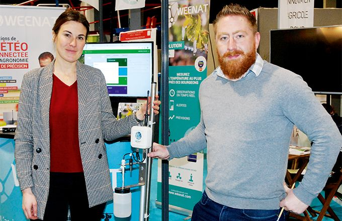 Mathieu Godard, chargé d'affaires sud, et Magali Geffriaud, responsable marketing et communication Weenat, présentent  la solution gel. CP : O. Lévêque/Pixel6TM