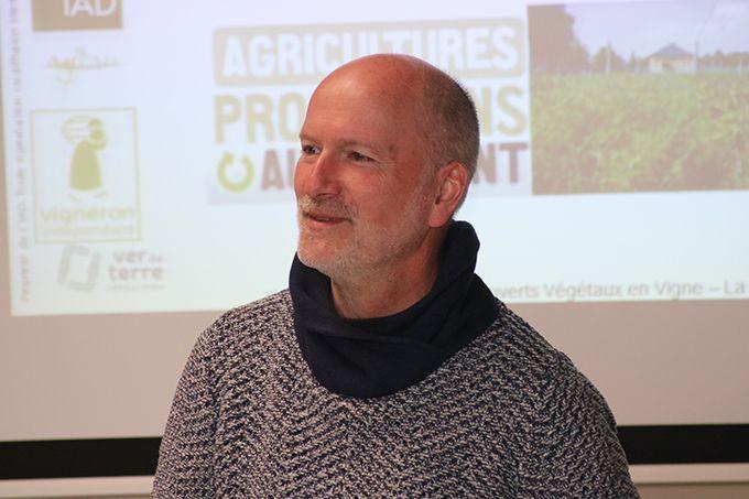Konrad Schreiber:  «Un sol fertile est la garantie d'une meilleure autonomie, de moins d'apports  d'intrants et de plantes  en meilleure santé.»
