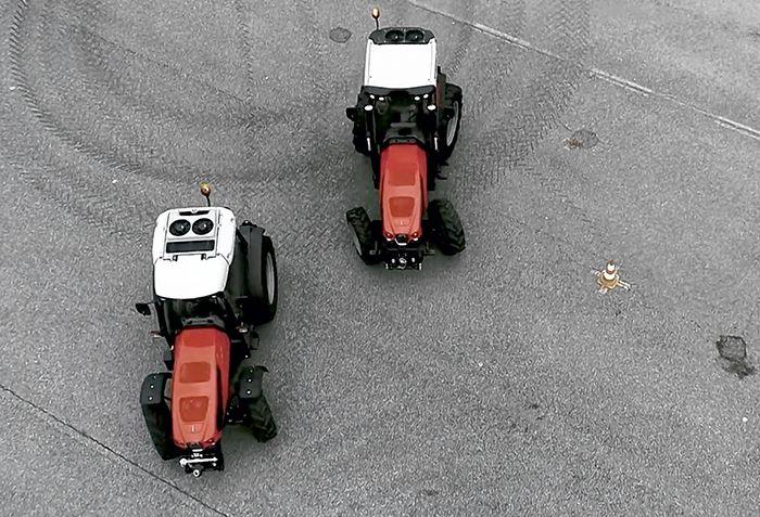 Quatre roues directrices pour le Frutteto grâce à l'ActiveSteer.