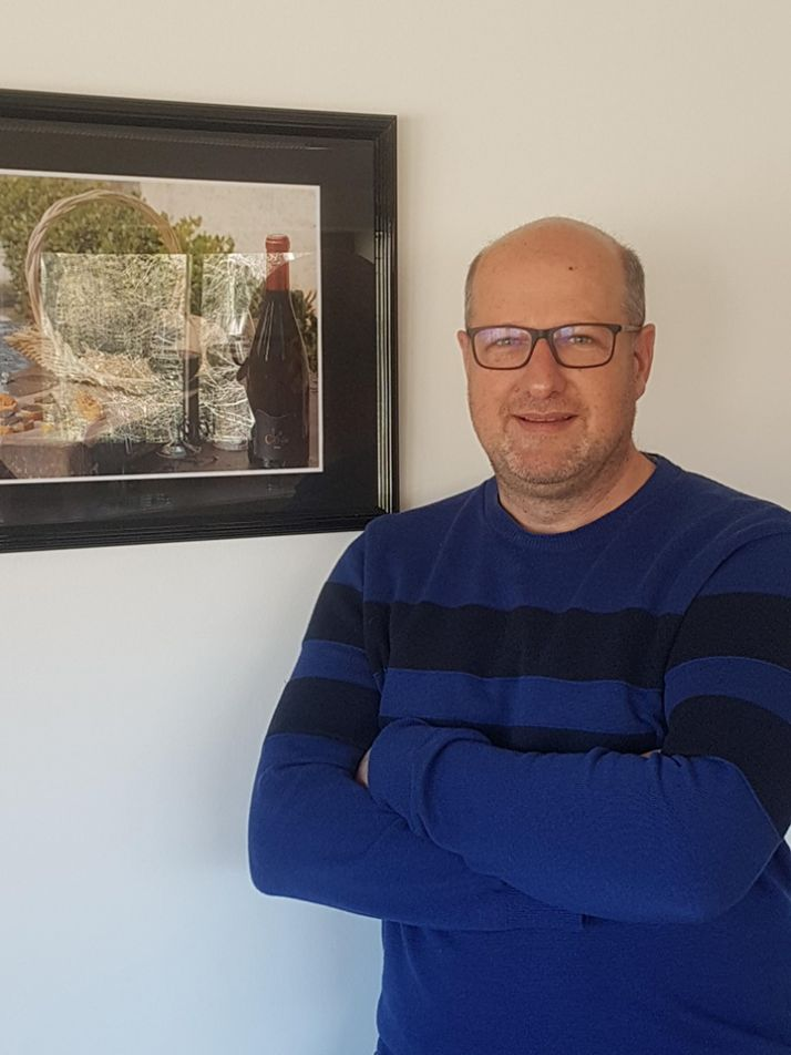 Xavier de Carmejane directeur général  de Terra Ventoux, souhaite  une montée en gamme  et une meilleure valorisation des vins de la cave. photos : DR