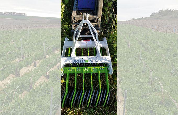 Le roulage des couverts est effectué à l'aide de rouleaux écraseurs type Rolofaca ou avec un nouvel outil, l'Orbis, de la société Comin Industrie.