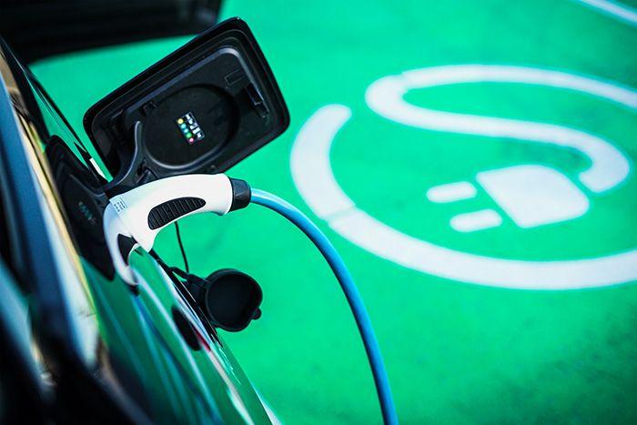 Avec le développement des voitures électriques pour les particuliers, l'offre se décline en parallèle sur les gammes d'utilitaires.