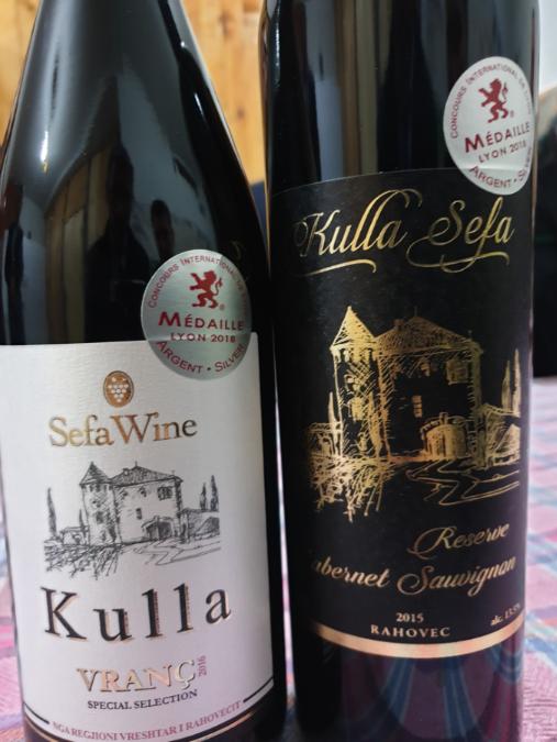La production des petites wineries comme Sefa, se révèle très qualitative et médaillée à l'international. Particulièrement avec les cépages autochtones, comme le vranac.