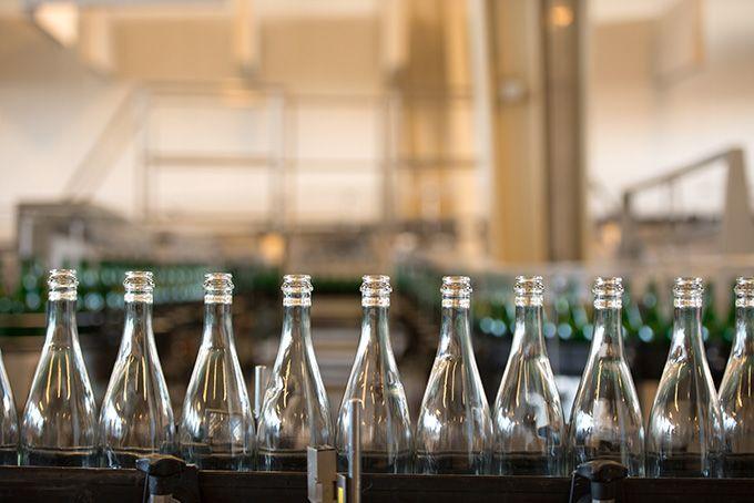 En Maine-et-Loire, une quinzaine de vignerons pionniers vont être recrutés en 2017, pour tester la faisabilité de la consigne chez eux. Photo: Sved Oliver/Fotolia