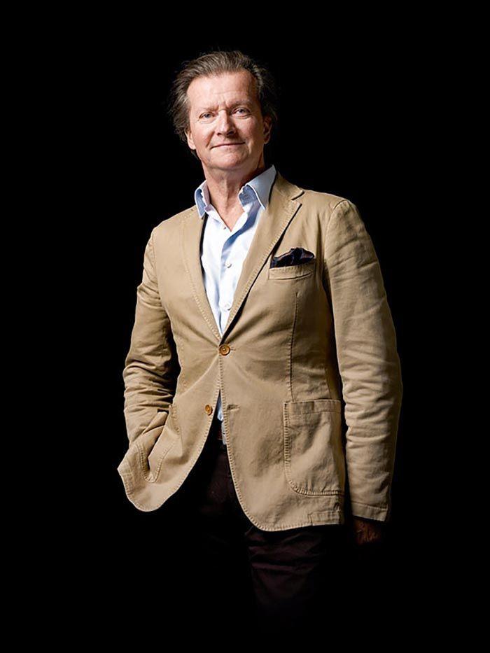 François Lurton est membre d'une famille de viticulteurs bordelais. Au milieu des années 1990, il a implanté des vignes dans la vallée d'Uco, au pied de la Cordillère des Andes.