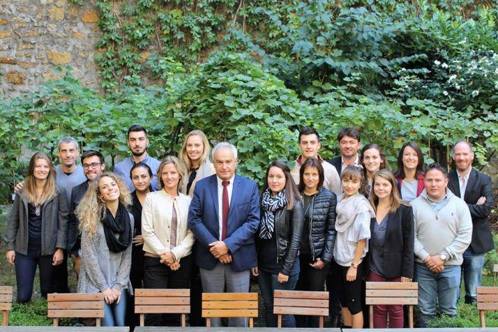 La promo 29 de l'OIV MSc in wine management avec M. Jean-Marie Aurand, directeur de l'OIV