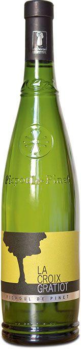 La Croix Gratiot élabore dupicpoul-de-pinet, conditionné dans la bouteille syndicale et vendu auxalentours de6euros chez les cavistes. Photo : L.Theeten/Pixel Image