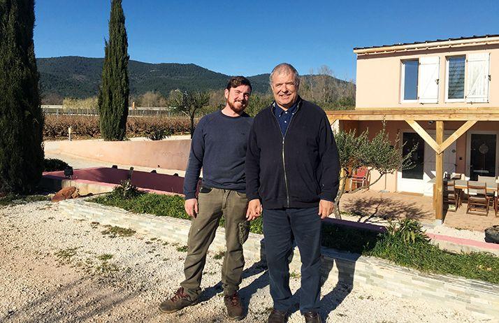 Vincent Quiroga assure les travaux de la vigne et la vinification des vins du domaine. Son père, Didier, se charge de la commercialisation. © Domaine Quiroga