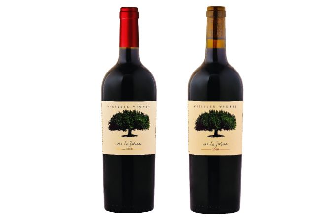La bouteille actuelle (à gauche) ne présente aucune différence visuelle avec l'ancienne, et ressemble beaucoup  à la future bouteille  en éco-packaging  (à droite).  Photos: BLB Vignobles