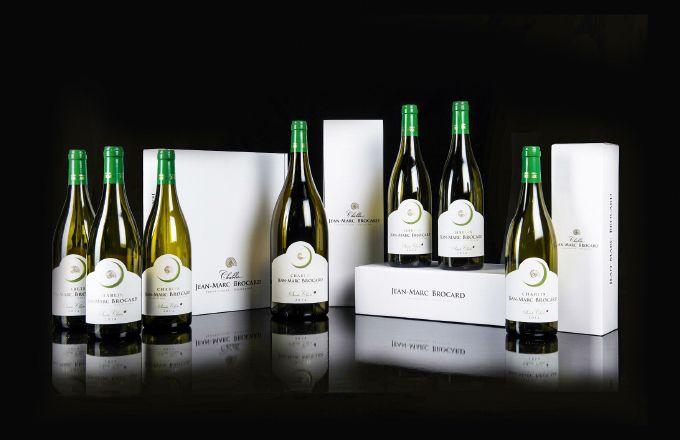 La gamme Jean-Marc Brocard compte une quarantaine de vins (appellations chablis, du petit chablis au grand cru et appellations environnantes).