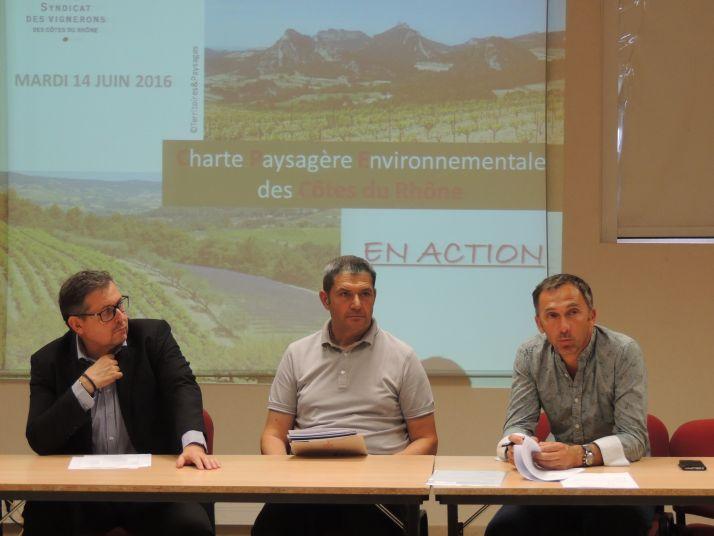 Un GIEE  pour Rhonea : une action concrète qui entre dans le cadre de la charte paysagère environnementale des Côtes-du-Rhône mise en place par le syndicat général des Côtes-du-Rhône (SGVRCDR). Crédits-photos : Audrey Domenach - Pixel Image
