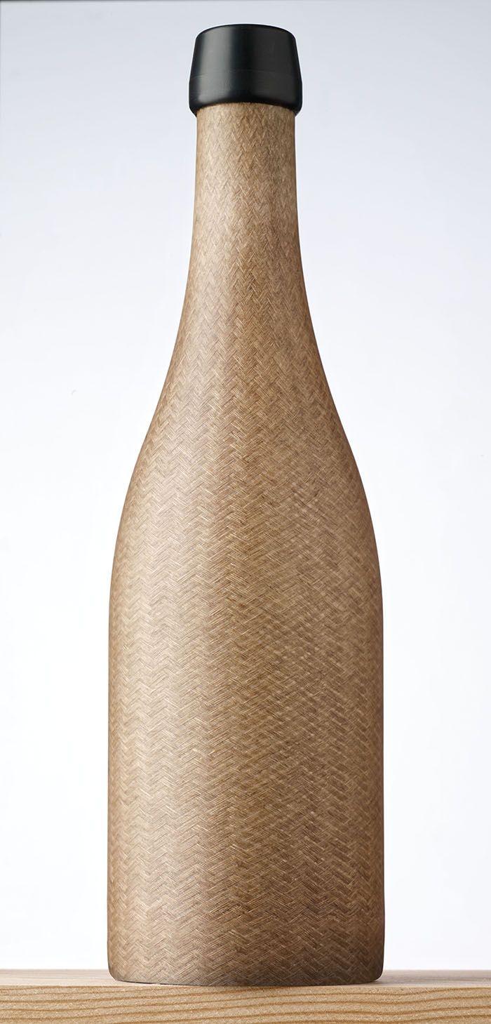 La société française Green Gen Technologies mise sur le lin avec une bouteille composite à base de fibres de lin tressées et de résines végétales biosourcées. Photo: Green Gen Techonologies