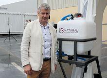 Christophe Marchais, oenologue chez LVVD: «L'intérêt de LB Natural porte sur la réduction des sulfites, mais aussi sur les brett et le goût du vin.» Photo : O. Lévêque/pixel image