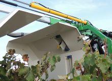 Dans les secteurs de vigne basse, comme dans  la région de Beaune,  il sera difficile de traiter  à 3 mètres des habitations. Aucun pulvérisateur  ne possède de panneaux récupérateurs adaptés. Séverine Favre