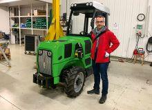 Les premières ventes du tracteur Tractovigne démarrent avec une version améliorée, plus ergonomique, plus «respirante». Photo : David Lefebvre