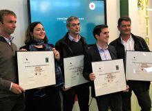 Lors du Vinitech, plusieurs des premiers viticulteurs ayant obtenu la Certification Environnementale Cognac ont reçu leur diplôme. Photo BNIC