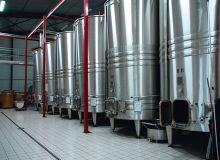 La refonte du «Guide de bonnes pratiques d'hygiène» de la filière vins a été validée fin 2016 par la DGCCRF et l'Anses. Rédigé par les professionnels pour les professionnels, il est accessible gratuitement par Internet sur les sites de l'IFV et de la DGCCRF. Photo : N. Tiers/Pixel Image