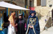 Cette année, les 18 et 19avril 2015, la 17eédition du marché médiéval s'installera à nouveau dans la cour du château de la Velle. Producteurs de miel, d'escargots ou viticulteurs… tous seront en costume. Une thématique qui s'imposait: les bâtiments datent du XIIIesiècle. Photo : DR
