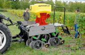 Le principal intérêt du semis direct est de pouvoir implanter  les couverts avant la récolte sans faire de travail du sol. Cela prémunit contre les risques d'orniérage pendant les vendanges. © O.leveque/Pixel6TM