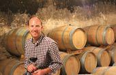 Nicolas Massé a reprofilé ses trois gammes de vins: «Le but était de ramener davantage d'aromatique sur les bordeaux supérieurs, de conserver le côté un peu boisé qu'on a toujours eu sur les cotes-de-bordeaux, mais en le réorientant vers des arômes plus vanillés, caramels». Photos : Philippe Roy