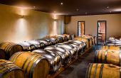 Les fûts inox pensés par Samuel Delafond pour les vins blancs peuvent aussi servir à élever des petits lots de vins rouges haut de gamme. Photo : Delafond