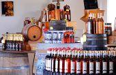 La production d'environ 30ha sur les 100ha que compte le domaine est conditionnée. 550hl de pineau et 450hl de vin de pays sont vendus dans les quatre caveaux ouverts par la famille Pinard, dans les commerces de La Brée mais aussi dans quelques grandes surfaces locales. © M.Pinard