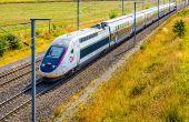 Le retrait du glyphosate impactera aussi la SNCF. Des expérimentations  sur les alternatives aux herbicides de synthèse commencent à se mettre  en place sur le réseau ferré.