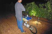 Les observations et les mesures sur le terrain sont indispensables pour l'expert Marc Gelly, même lorsque l'on est équipé d'un logiciel d'aide à la décision pour piloter l'irrigation. Certaines mesures se réalisent la nuit, comme celle du potentiel hydriq