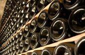 Certains font appel à des destockeurs pour écouler  leurs excédents de vins embouteillés. CP : Fotolia / Delphotostock