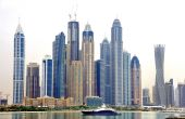 Membres du Conseil de coopération du golfe, nouvelle puissance économique majeure du monde arabe, les Émirats arabes unis font partie des 20 premiers exportateurs et des 26 premiers importateurs mondiaux de marchandises.  © robepco/Fotolia