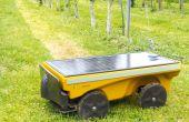Vitirover, microrobot tondeur fonctionnant à l'énergie solaire est disponible  pour 7950€, prix incluant une garantie pièces et main-d'œuvre, un contrat  d'entretien et une assurance vol et vandalisme pendant troisans. © Vitirover