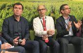 Bernard Farges, président de la Cnaoc, Jean-Marie Barillère, président du Cniv, et Jérôme Despey, président du conseil des vins de FranceAgriMer, le 24 février au SIA. Photo O.Lévêque/Pixel6TM