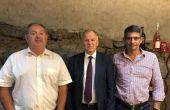 Thierry Coste, Vytenis Andriukaitis et Thomas Montagne se sont rencontrés en Franc durant les vendanges